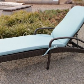 Ratana – Lynn Valley Lounger With Cushions